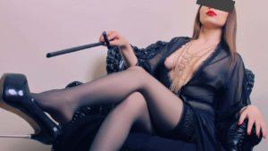 Mistress Debora Padova cerca schiavi