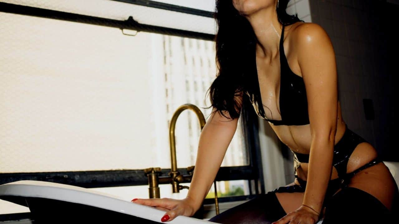 Mistress Diana Torino
